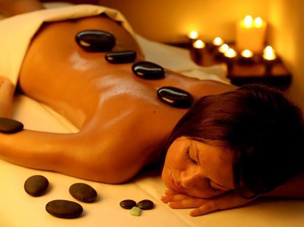 massaggio-pietre-laviche